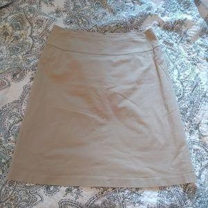 *BANANA REPUBLIC* Khaki skirt size 8, lined